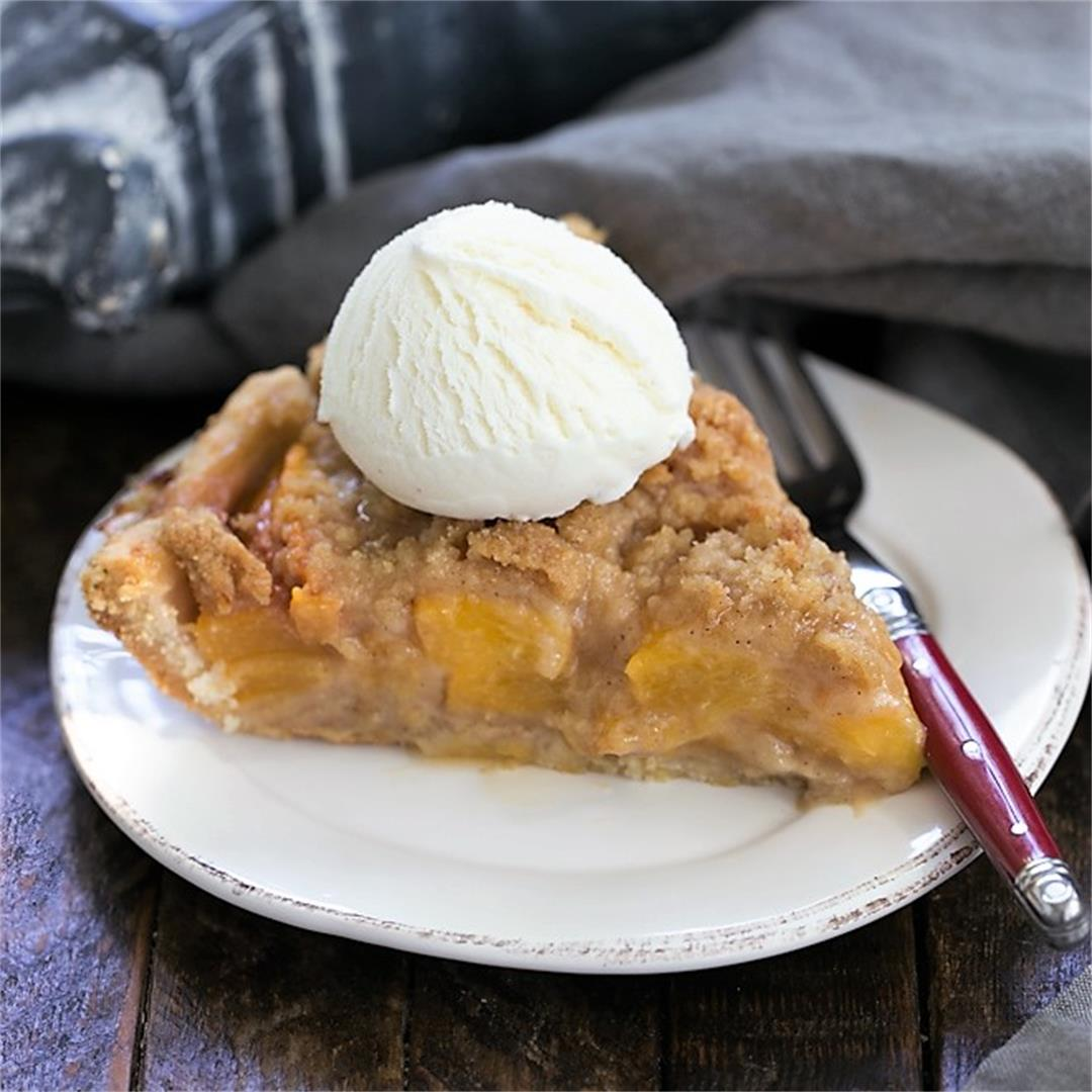 Easy Peach Crumb Pie