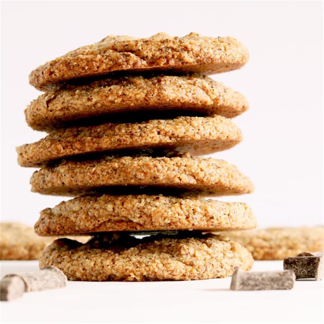 Vegan & Paleo Chocolate Chip Coconut Cookies