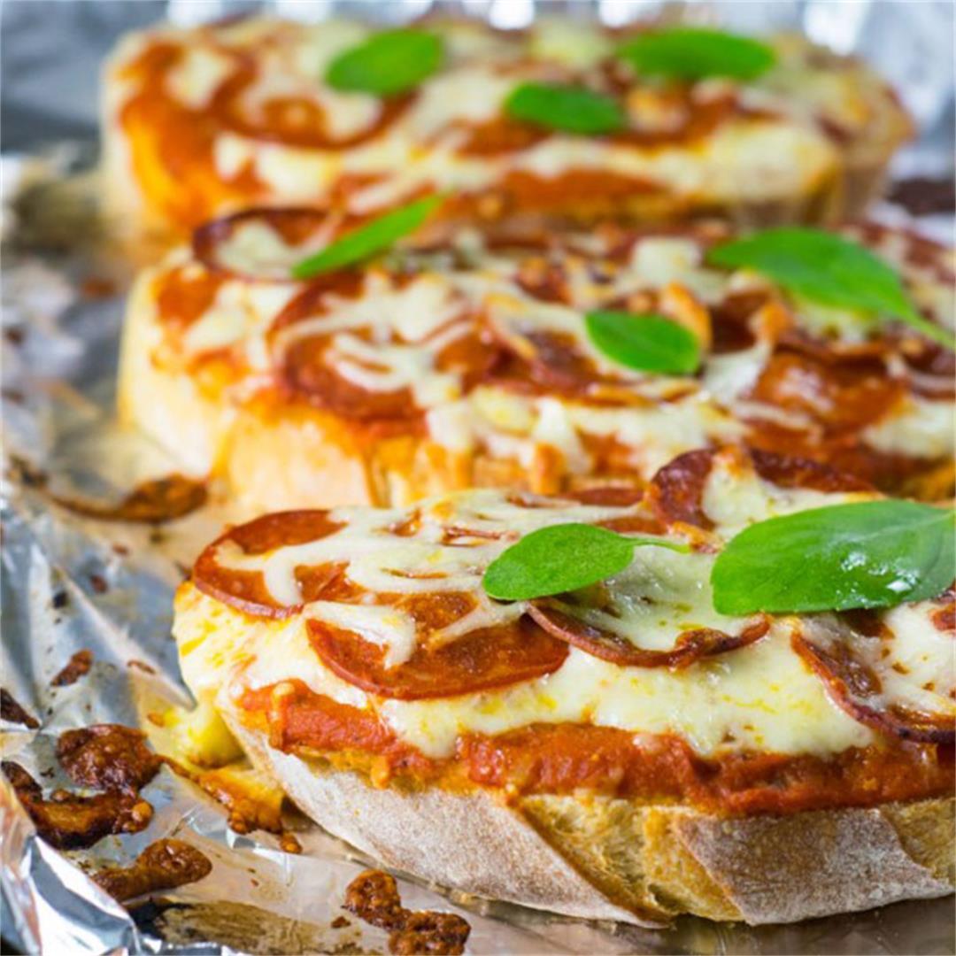 Quick & Easy Bread Pizza