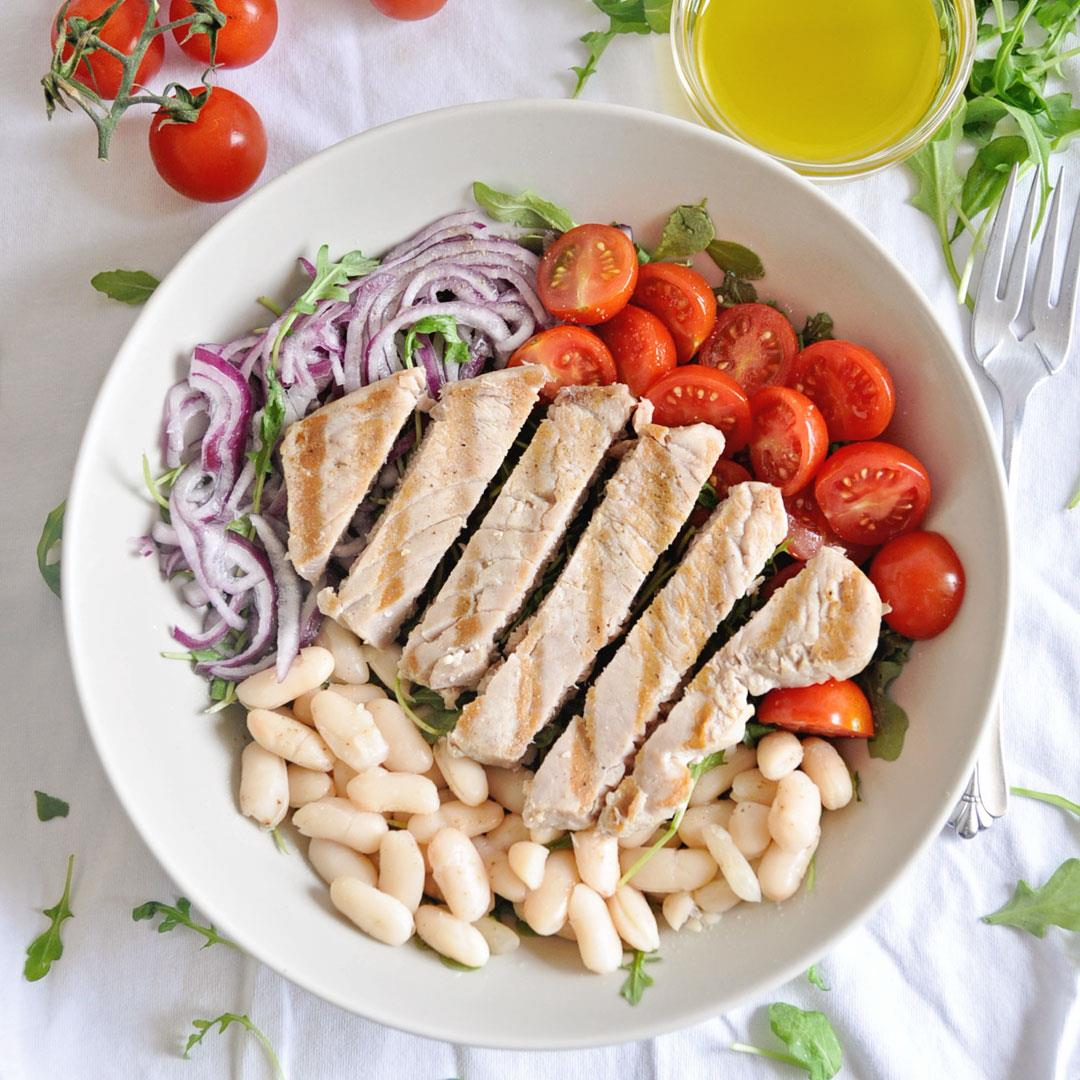 Grilled Tuna & White Bean Salad with Homemade Lemon Vinaigrette