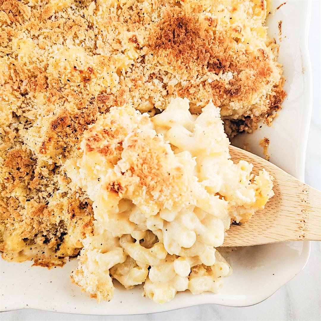 Creamy Baked Mac and Cheese - SO easy and delicious!