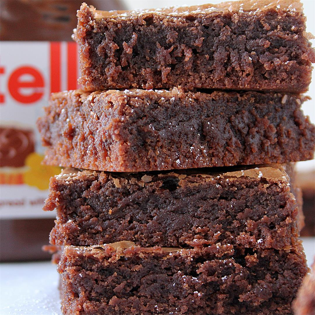 Chewy, fudgy, one-bowl Nutella brownies.