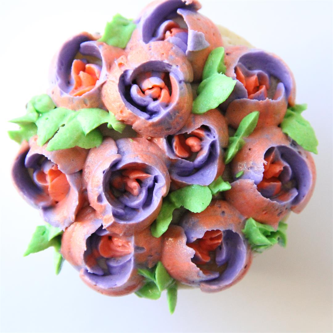 Learn how to make buttercream flowers. Tutorial included!