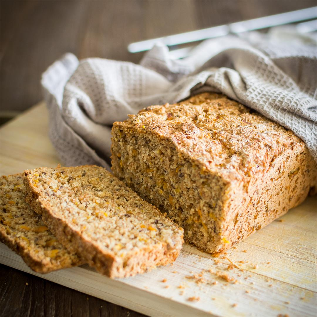 Carrot graham bread