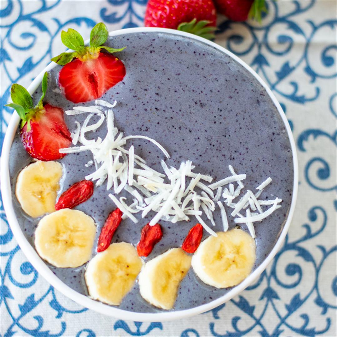 Healthy 4th of July Smoothie BOwl