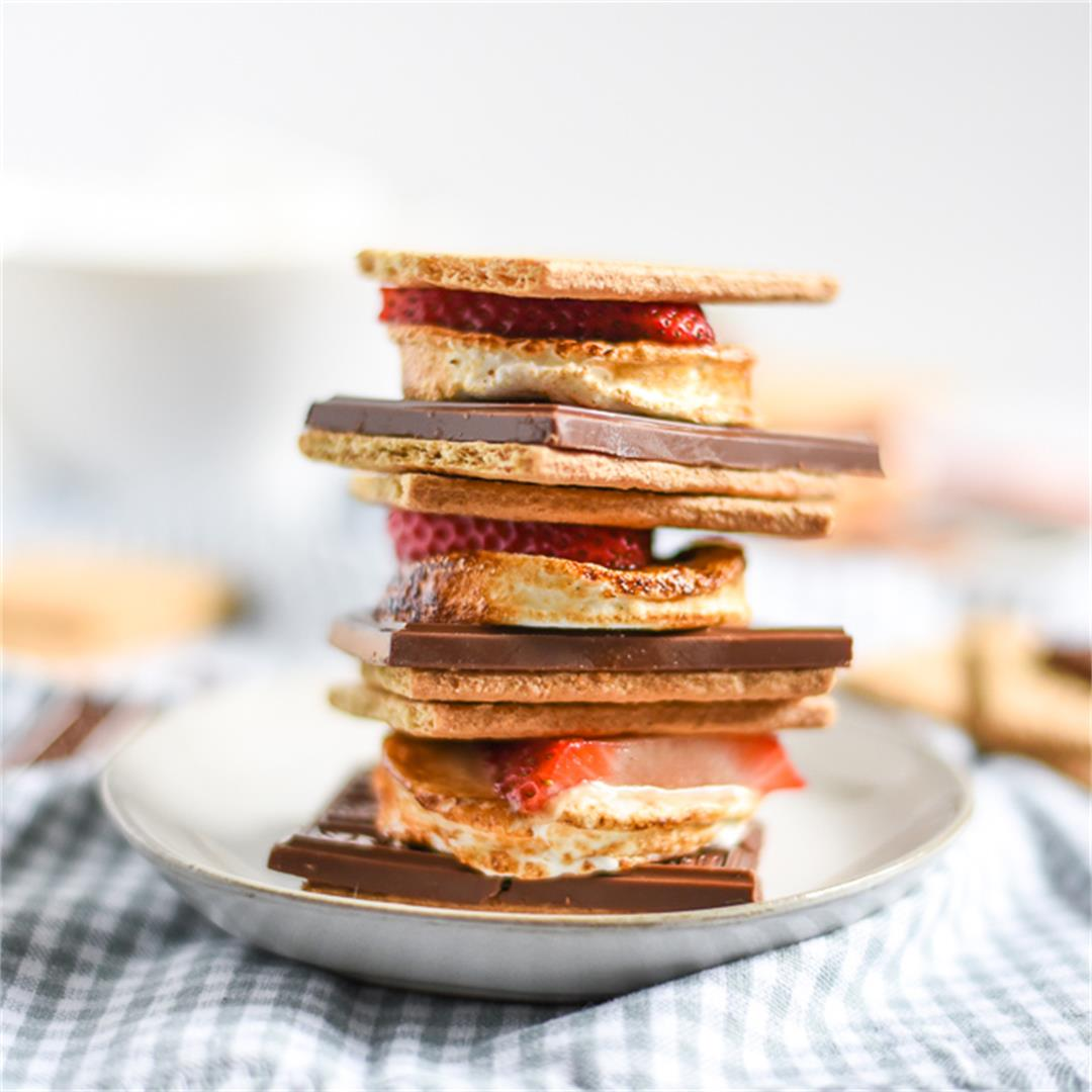 Lemon strawberry s'mores are the perfect summer dessert!
