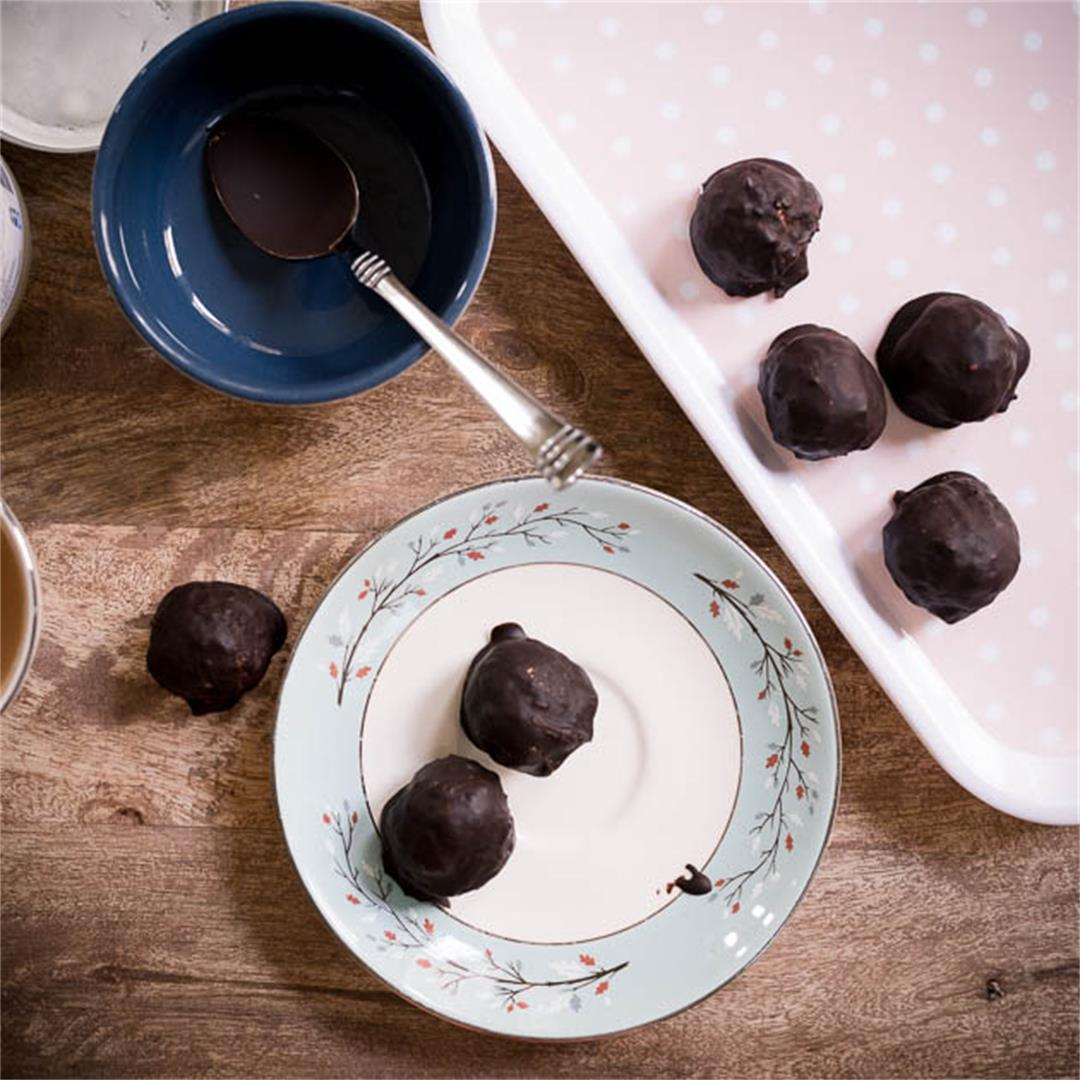 Vanilla Fat Bombs Dipped In Chocolate Recipe [Paleo, Keto, Suga