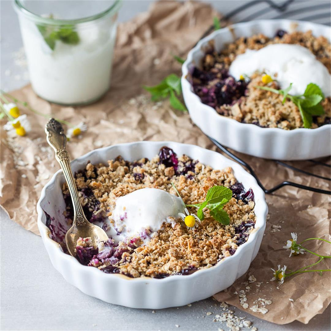 Vegan Blueberry Crumble