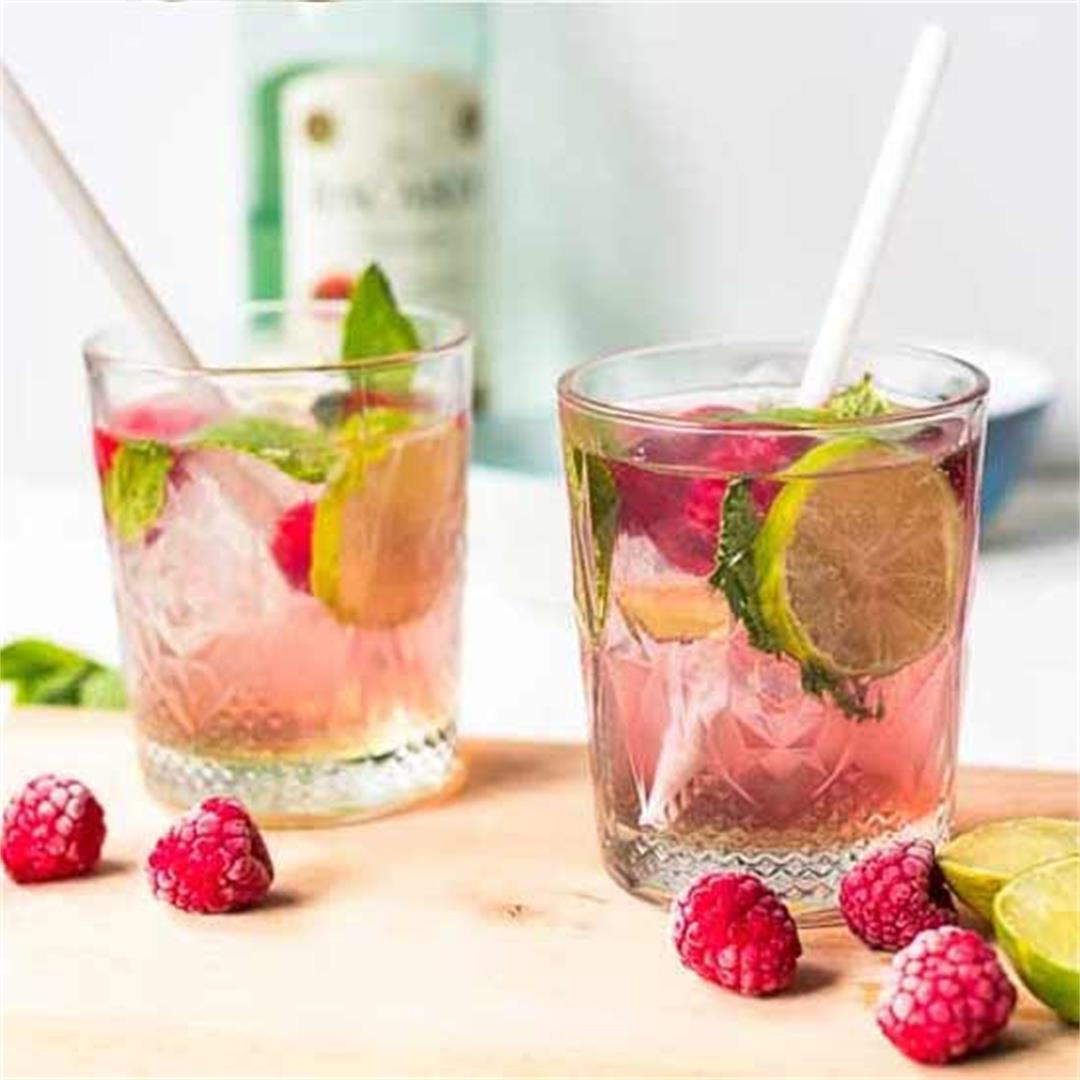 Raspberry mojito cocktail