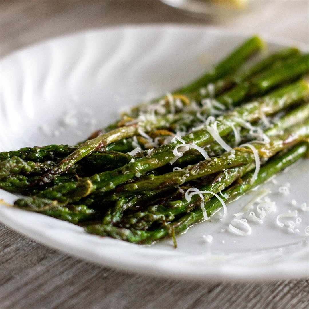 Lemon Garlic Sauteed Asparagus