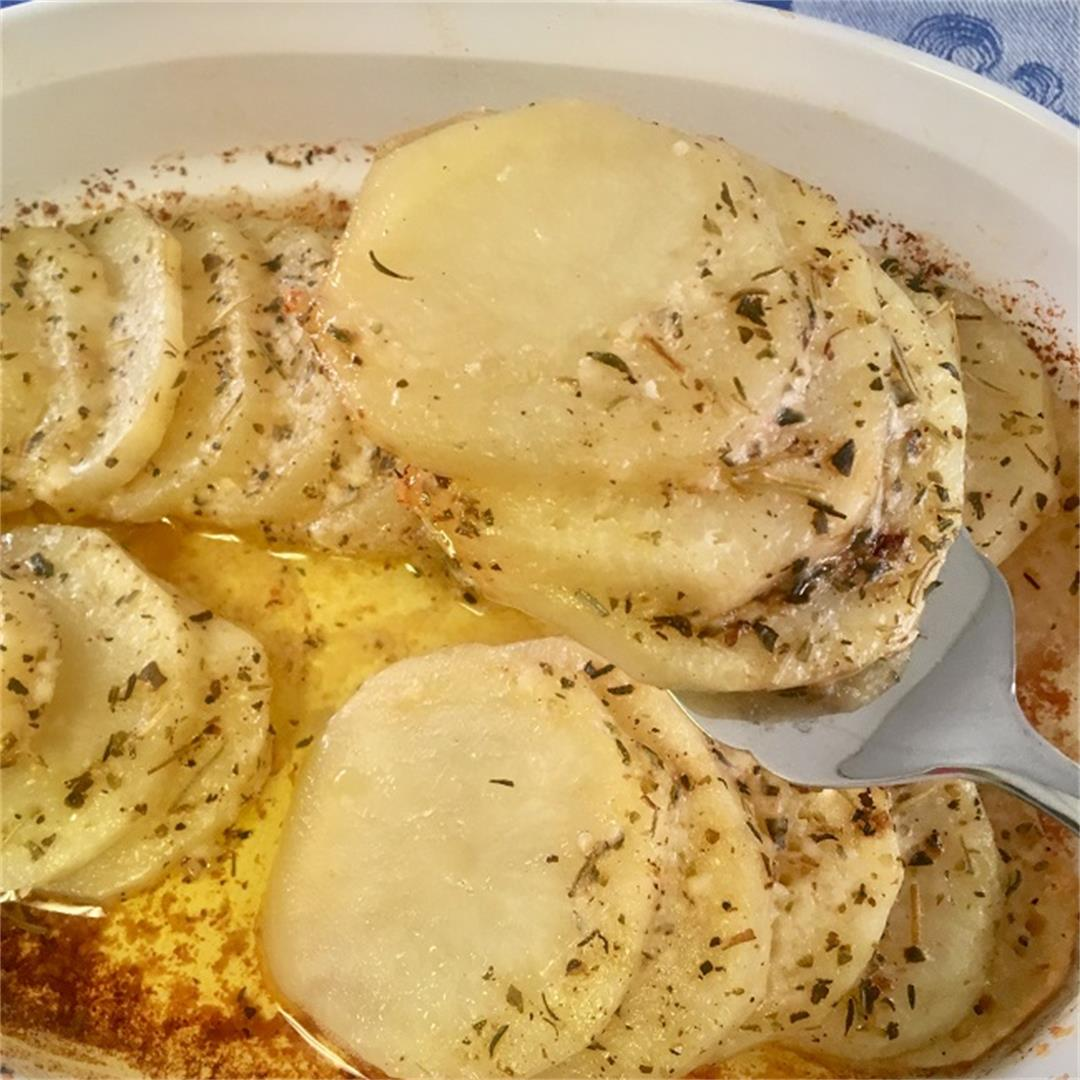 Easy Parmesan Herb Potatoes with Herbes de Provence