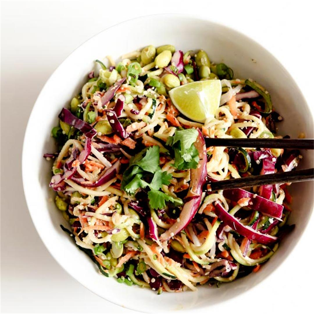 Raw & Vegan Spiralized Pad Thai