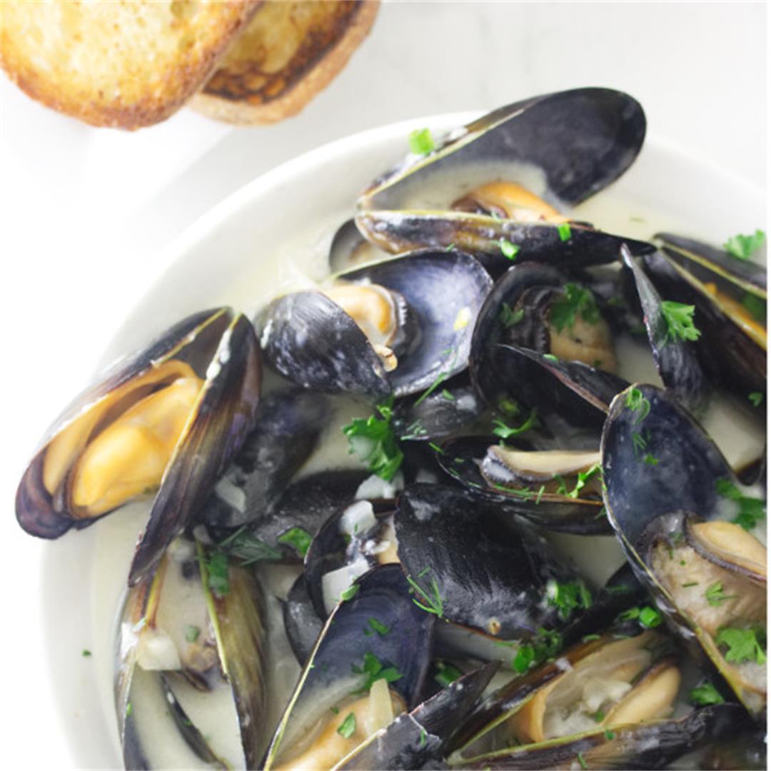 mussels in garlic wine sauce