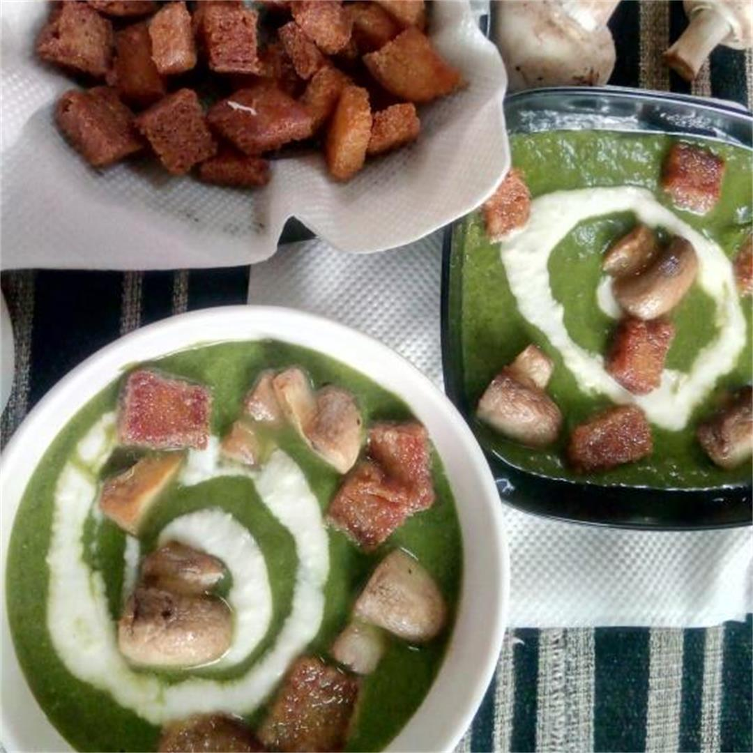 Creamy Spinach & Mushroom Soup in 10 minutes