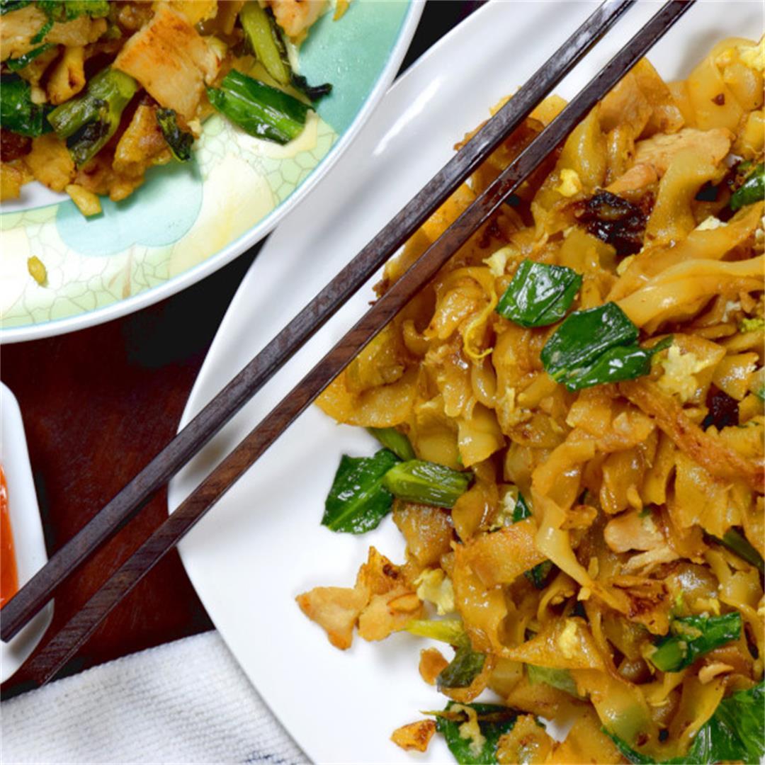 Pad See Ew (Thai stir-fried noodles)