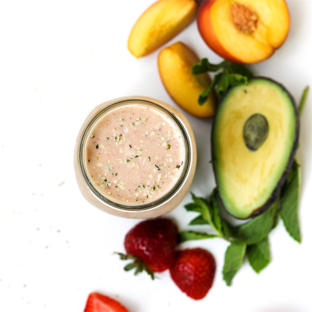 Summer Fruit Smoothie with Strawberries and Peaches {DF, Paleo}
