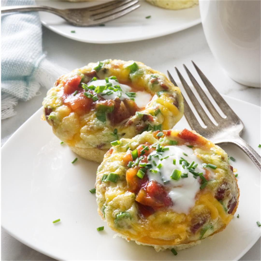 egg muffin cups with turkey bacon