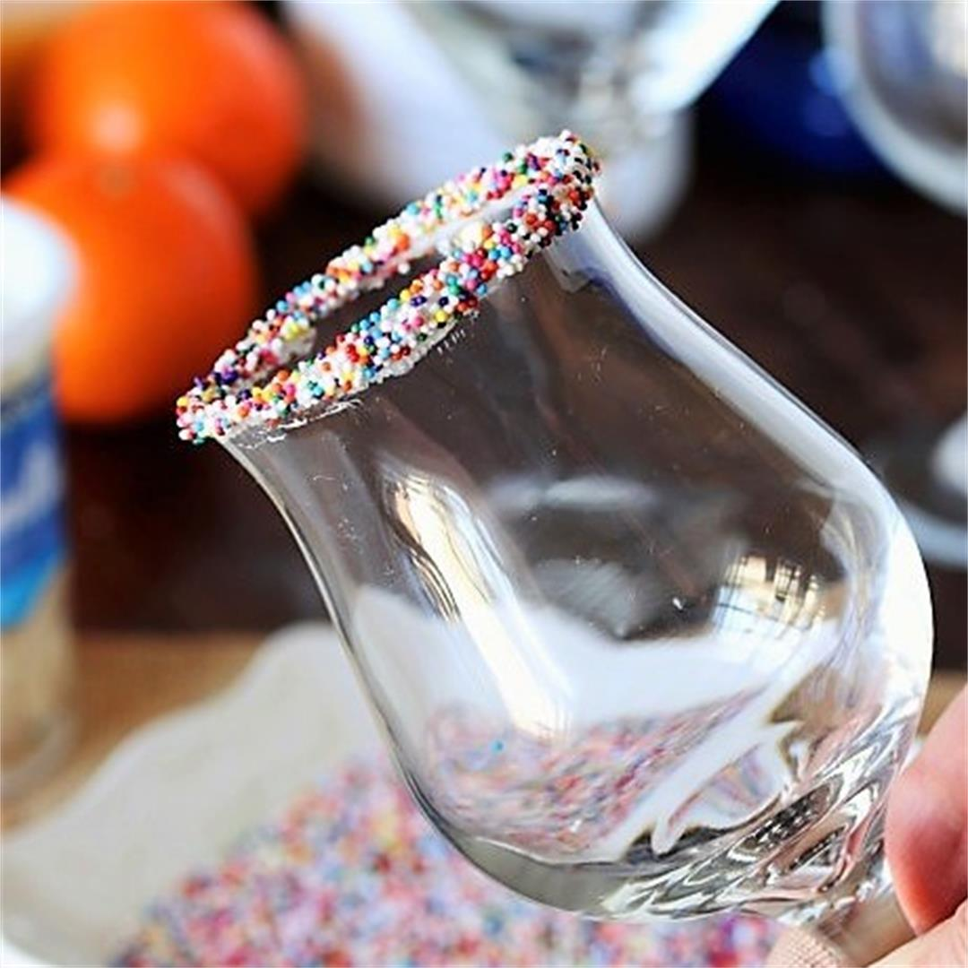 How to Make a Sprinkles-Rimmed Glass
