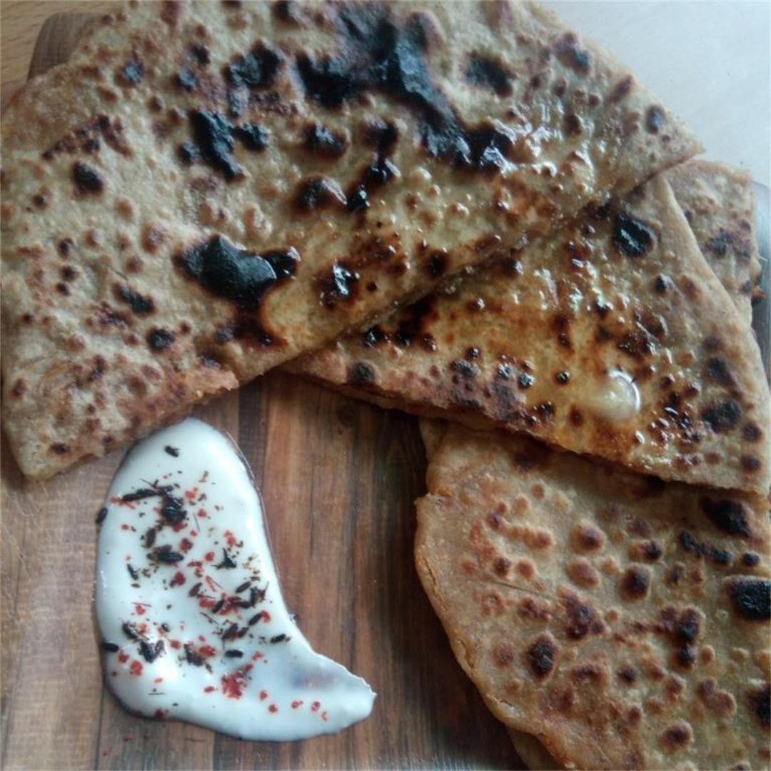 Aloo Paratha/ Flat Bread with Spiced Potato Stuffing