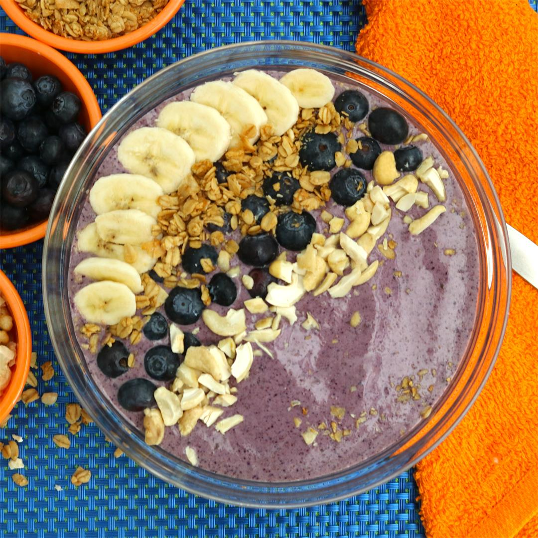 Blueberry Cashew Breakfast Bowl