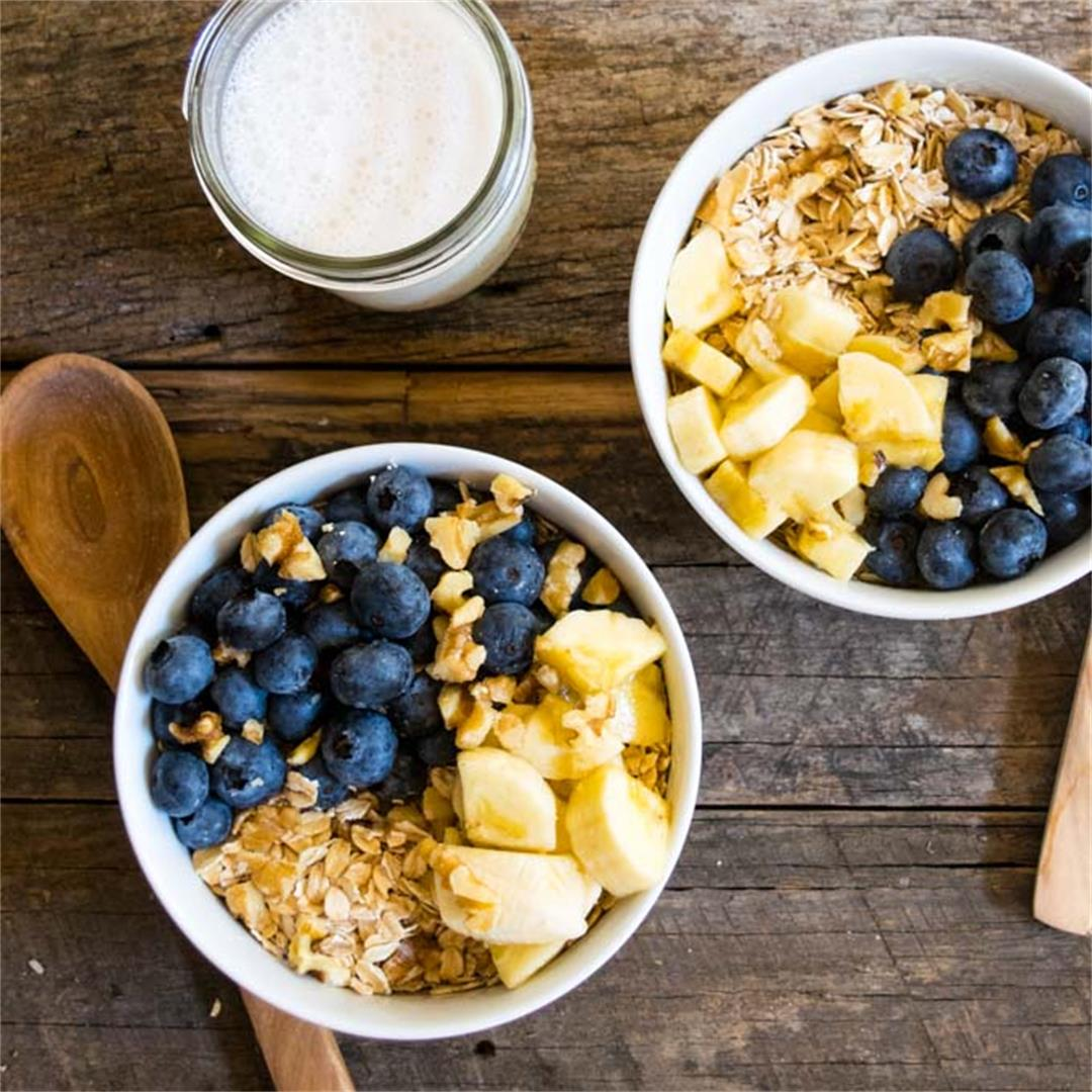 Raw Oat Blueberry Banana Nut Bowl