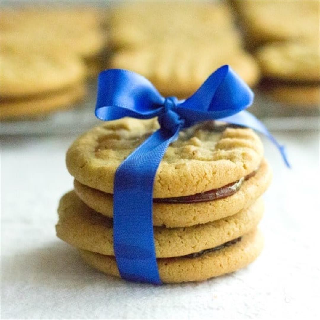 Peanut Butter And Jelly Sandwich Cookies | Queenbeebaker.net