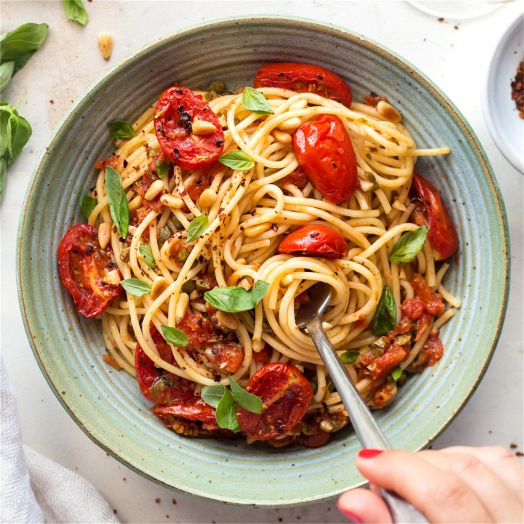Roasted tomato and basil pasta