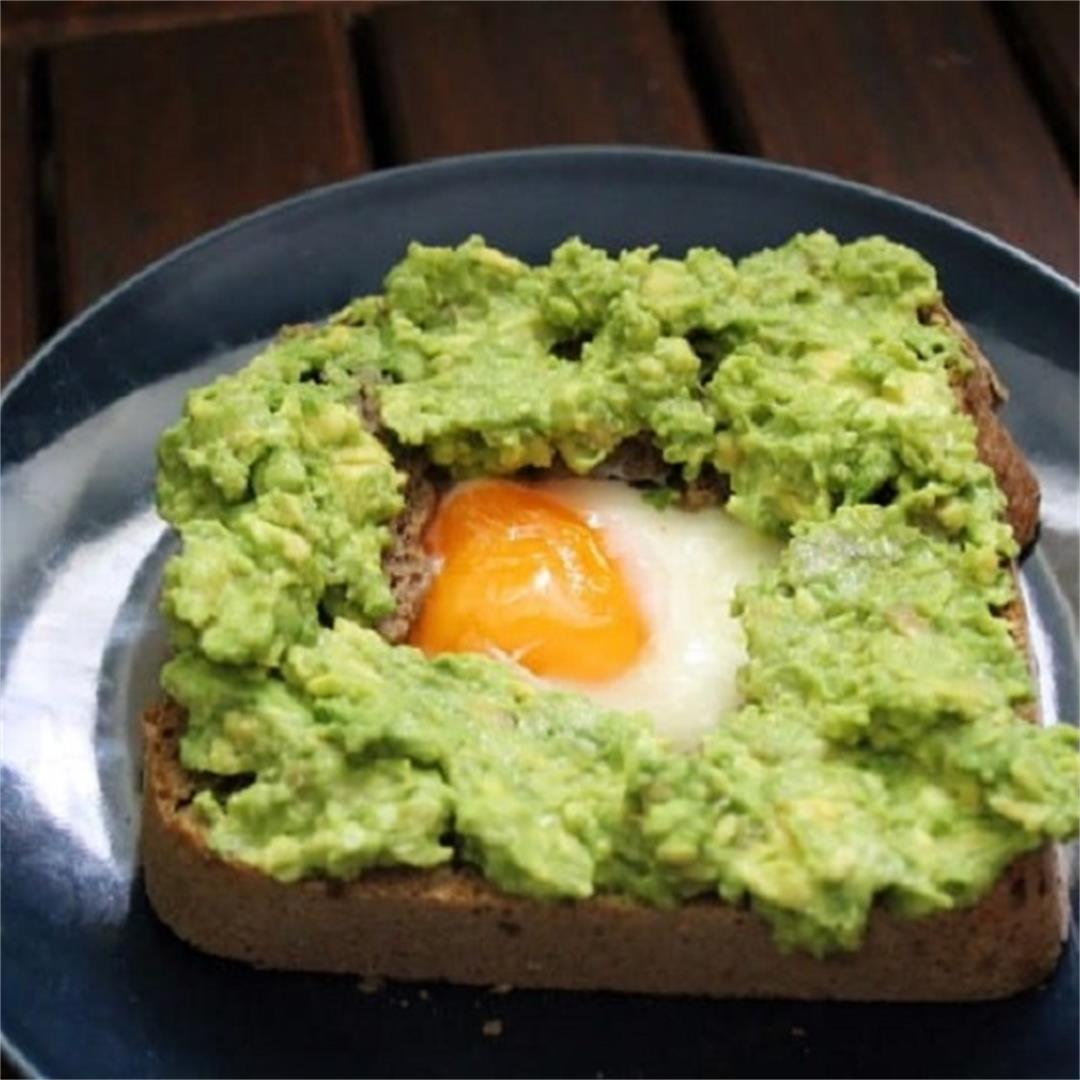 Air Fryer Egg In A Hole With Avocado