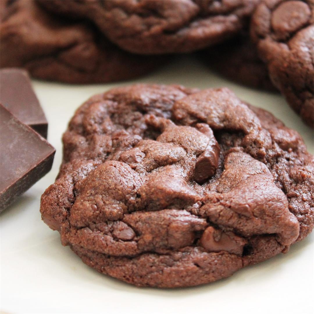 Fudgy Chocolate Chunk Cookies