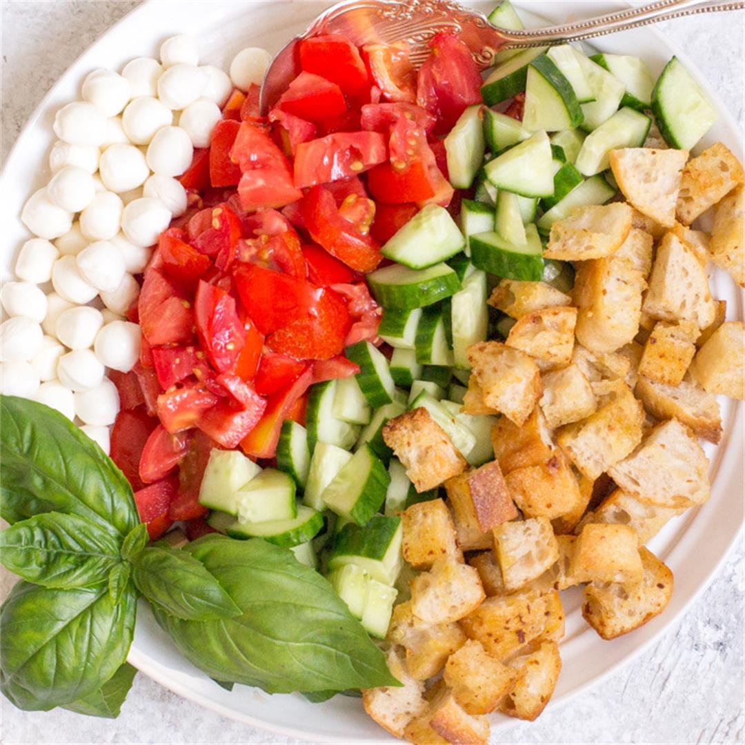 Simple Panzanella Salad with Garlic Croutons