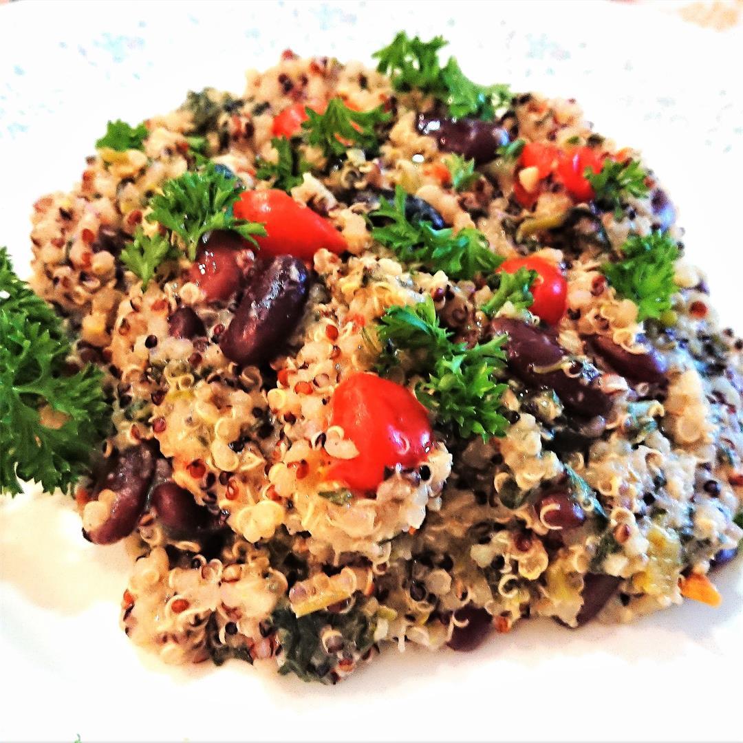 Lemon-garlic quinoa with kidney beans