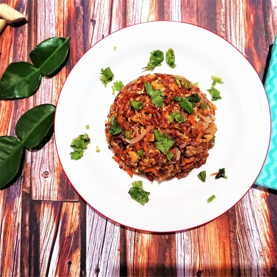 Stir-fried red rice flavoured with lemongrass