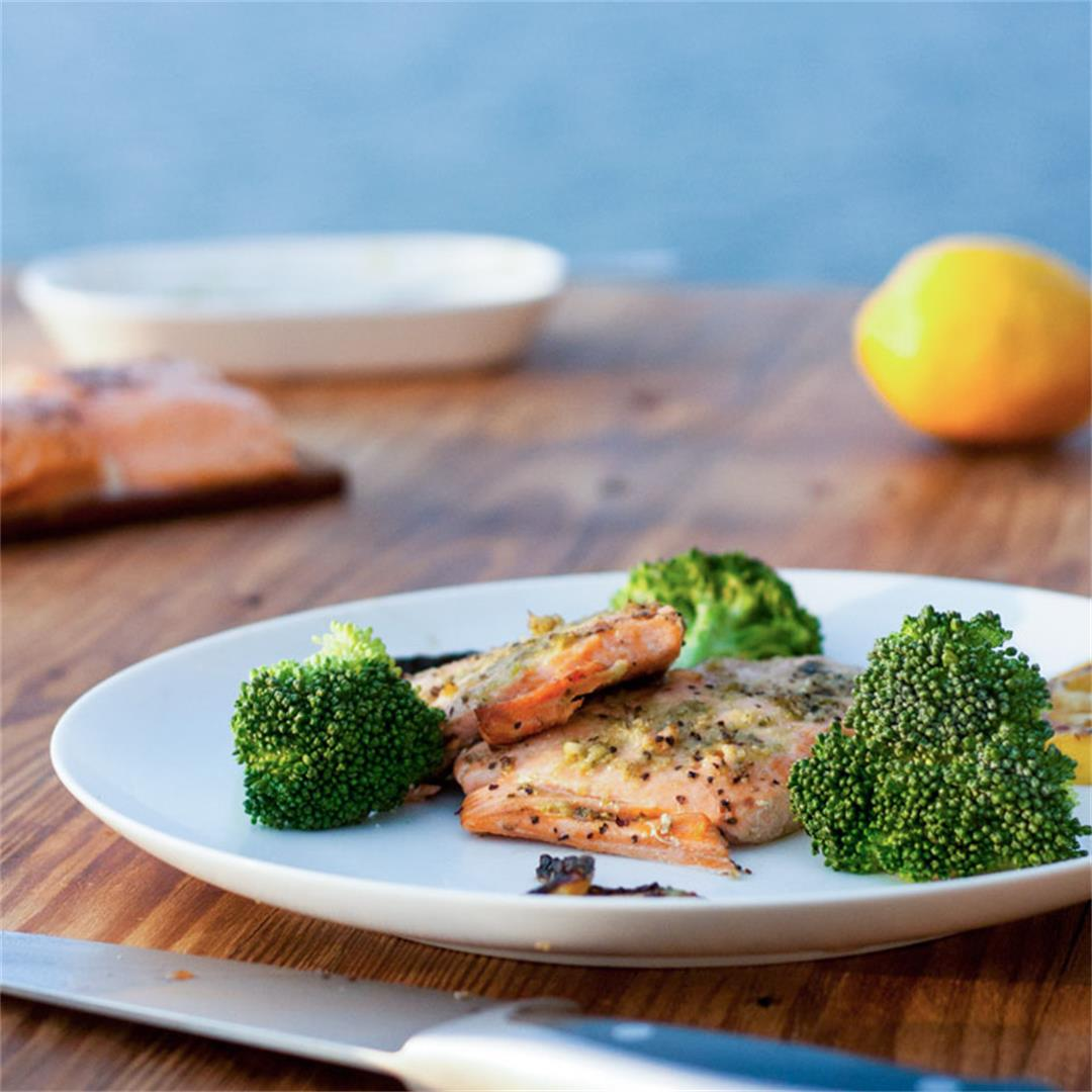 Grilled Salmon with Pesto