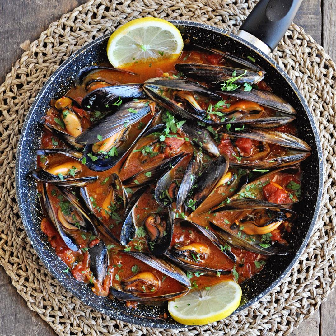 Spanish Mussels with Paprika & Tomatoes