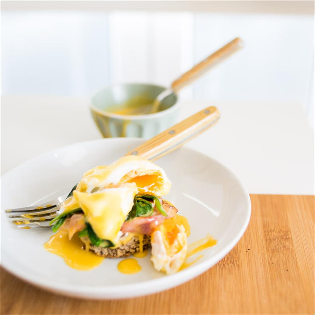 Classic Keto Eggs Benedict Recipe