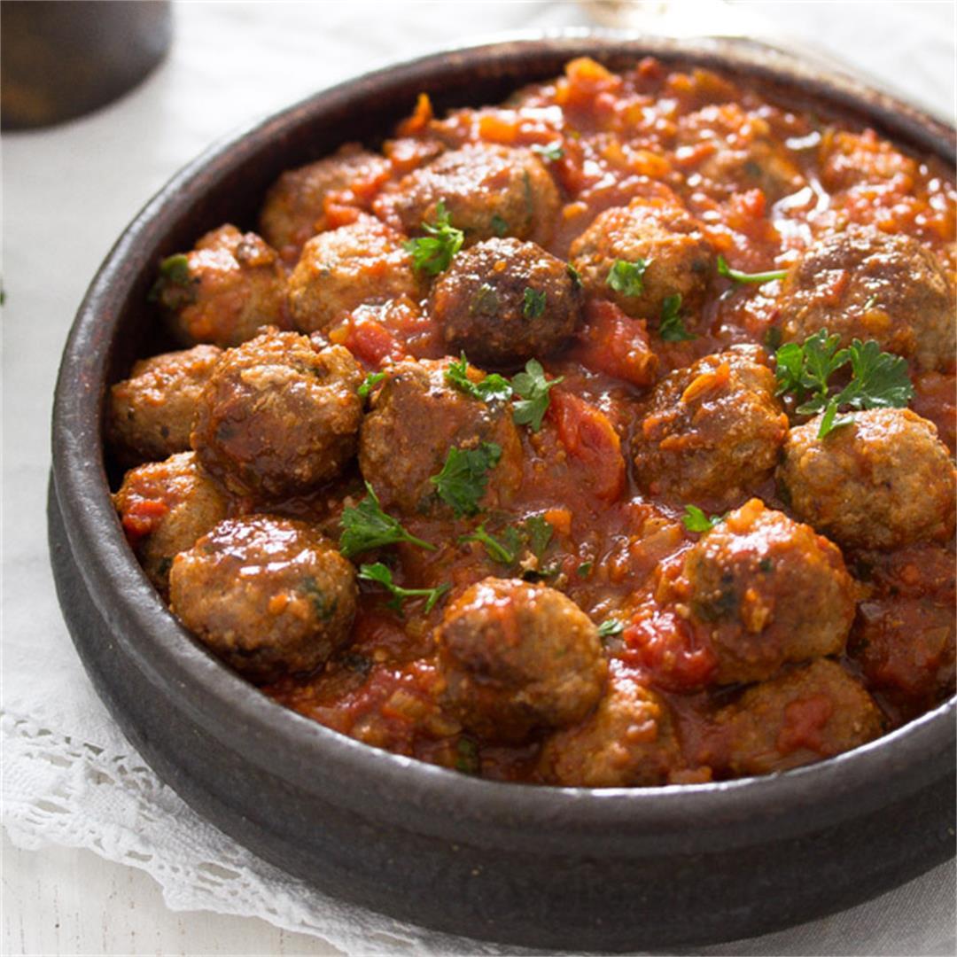 Albondigas – Spanish Meatballs in Tomato Sauce – Spanish Food