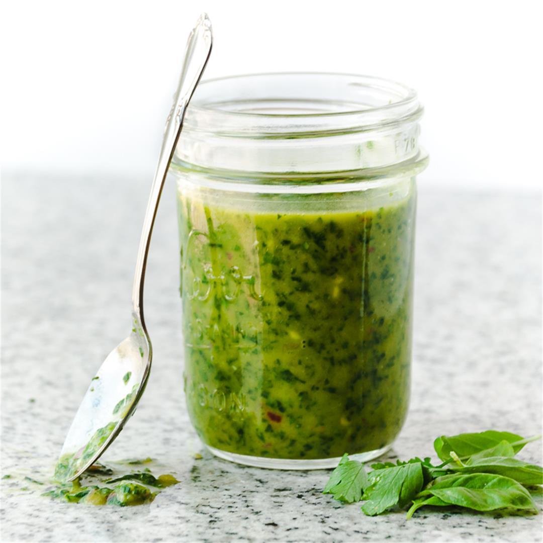 5-minute Italian Green Sauce