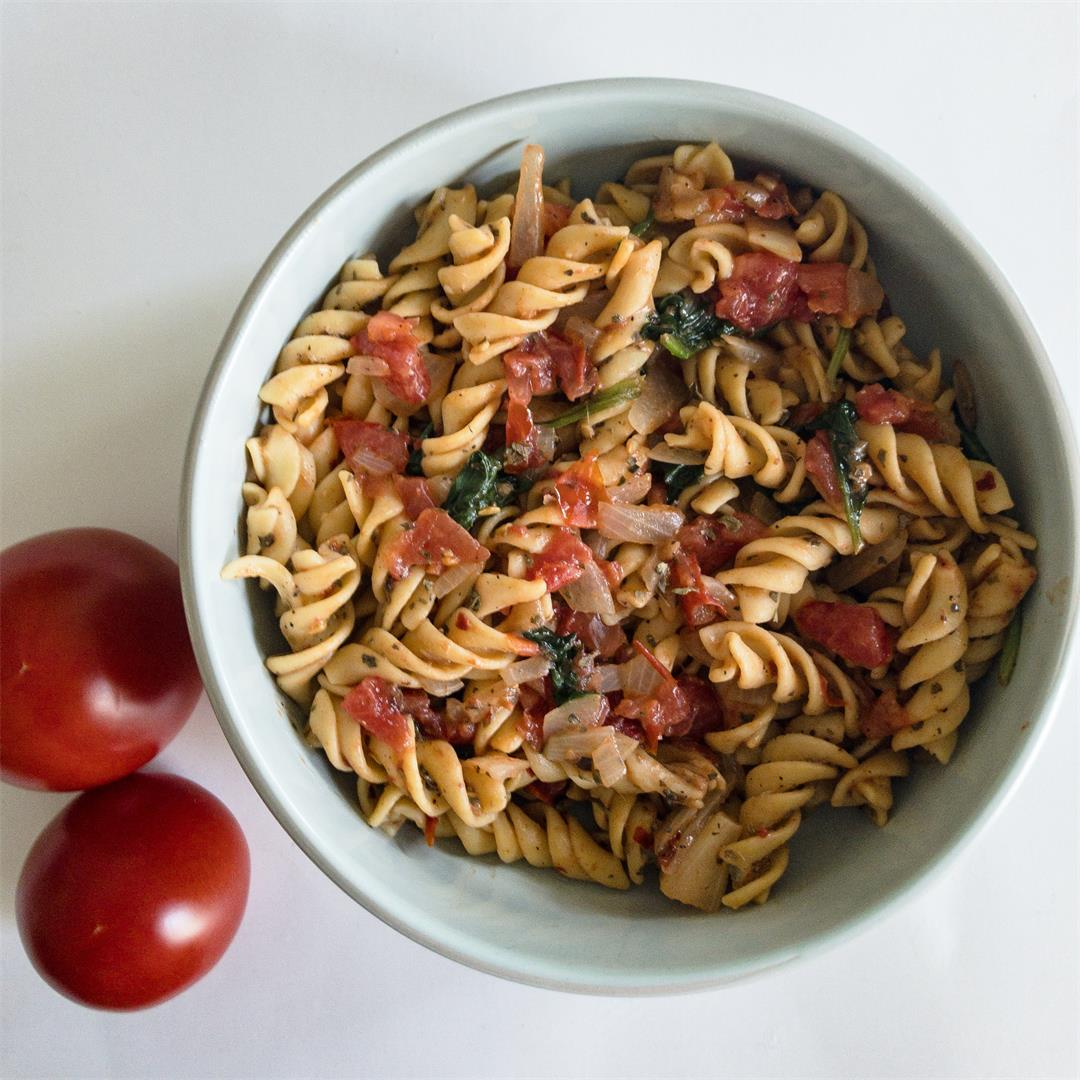One Pot Vegan Tomato Pasta Salad