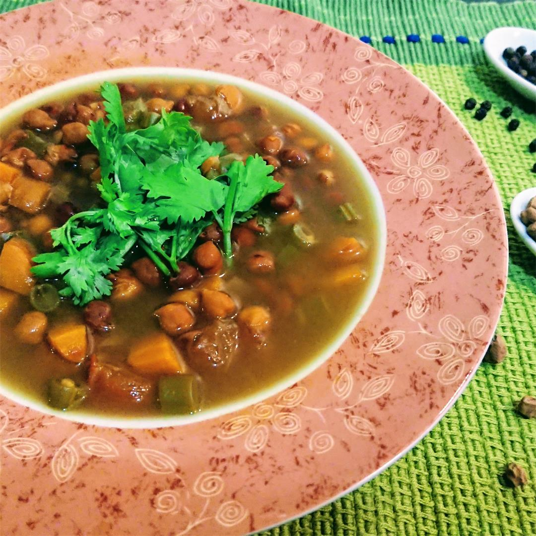 Chickpeas & vegetables in an exotic soup with aroma of spices