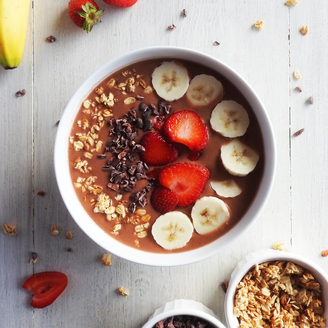 Strawberry Banana Cacao Smoothie Bowl