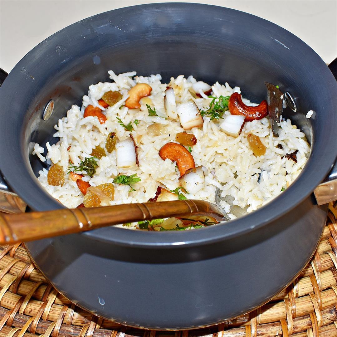 How to make Coconut Milk rice - Kobbari annam