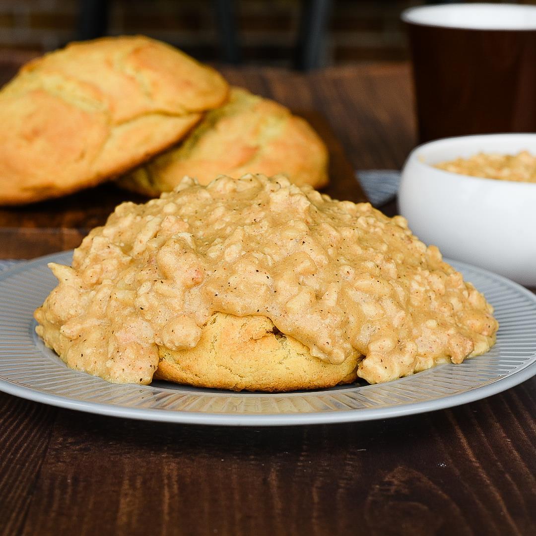 Buttermilk Biscuits and Turkey Gravy