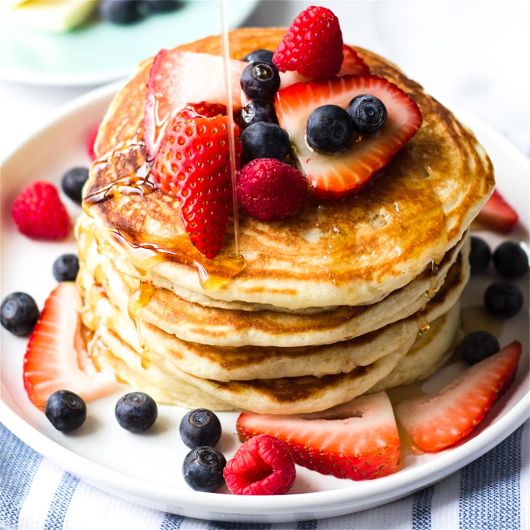 Delicious Fluffy Buttermilk Pancakes