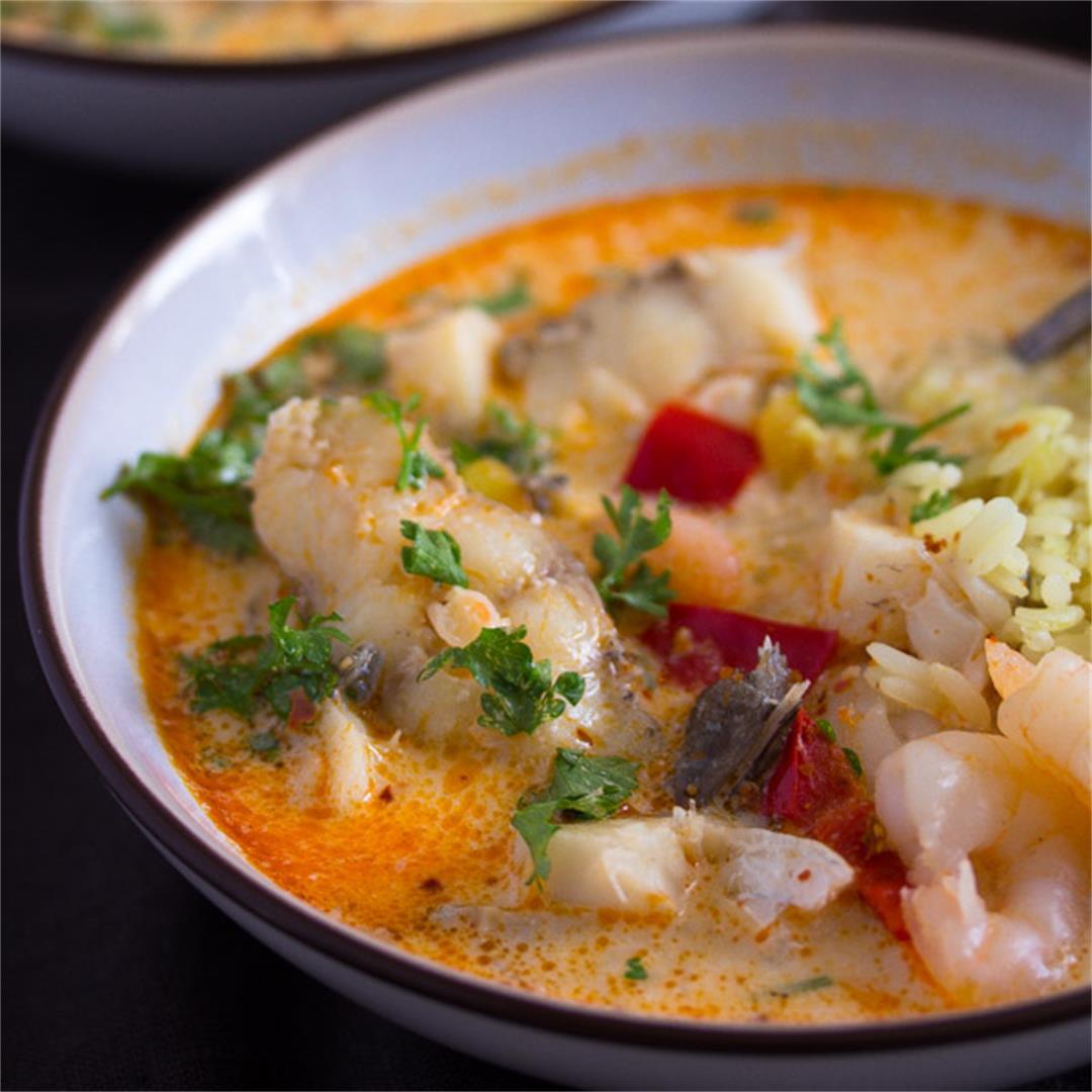 Moqueca de peixe - Brazilian Fish Stew Recipe with Coconut