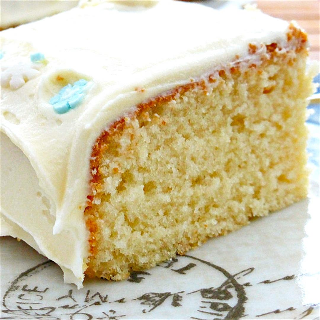 Simple White Chocolate Cake with White Chocolate Buttercream