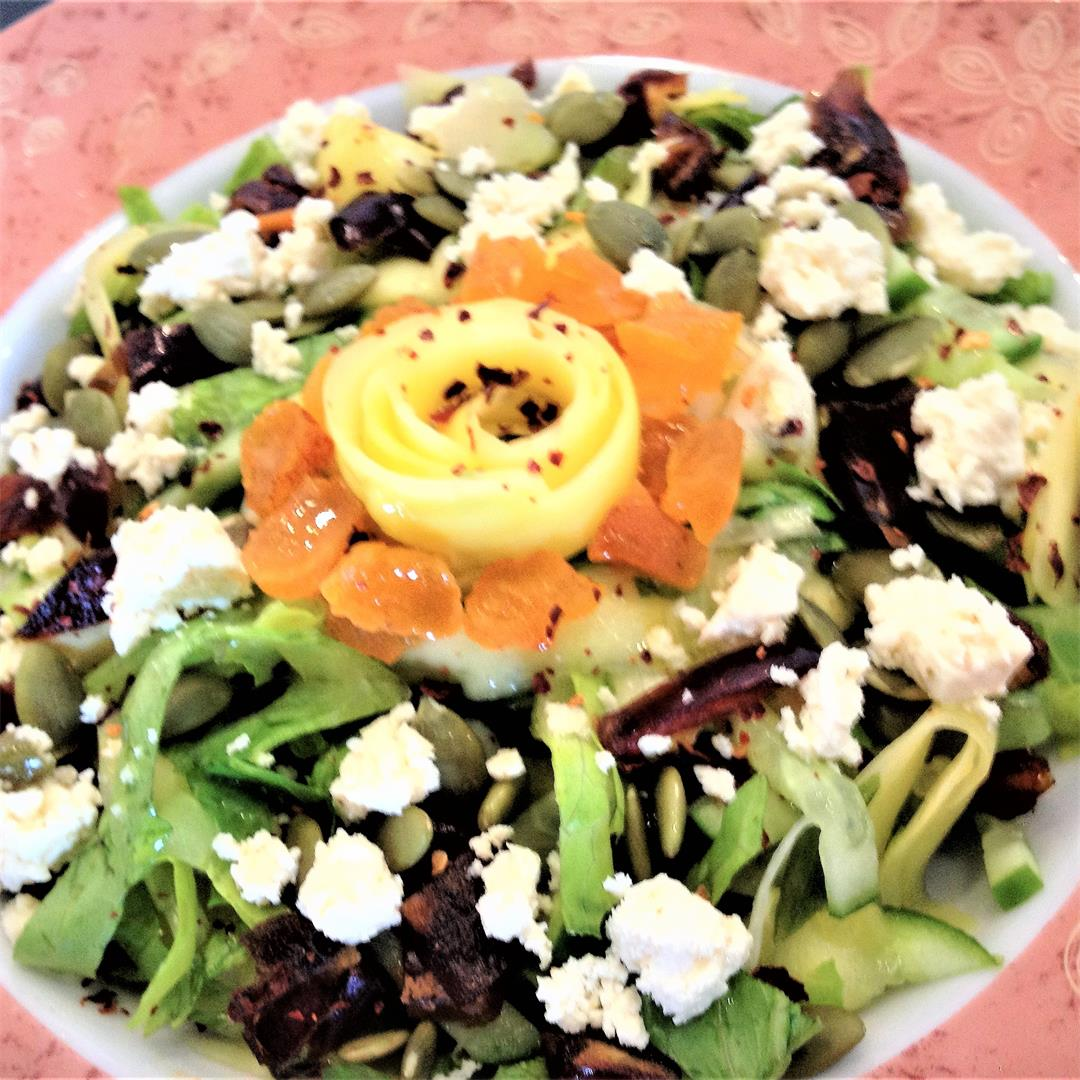 Green mango salad with apricots and feta cheese