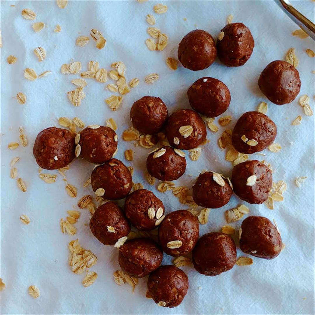 Healthy Chocolate Peanut Butter Bites