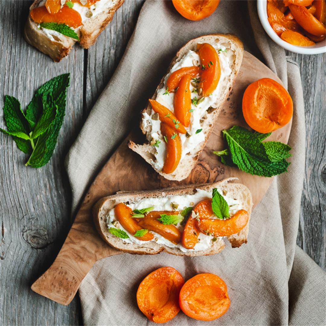 Caramelized Apricot Bruschetta