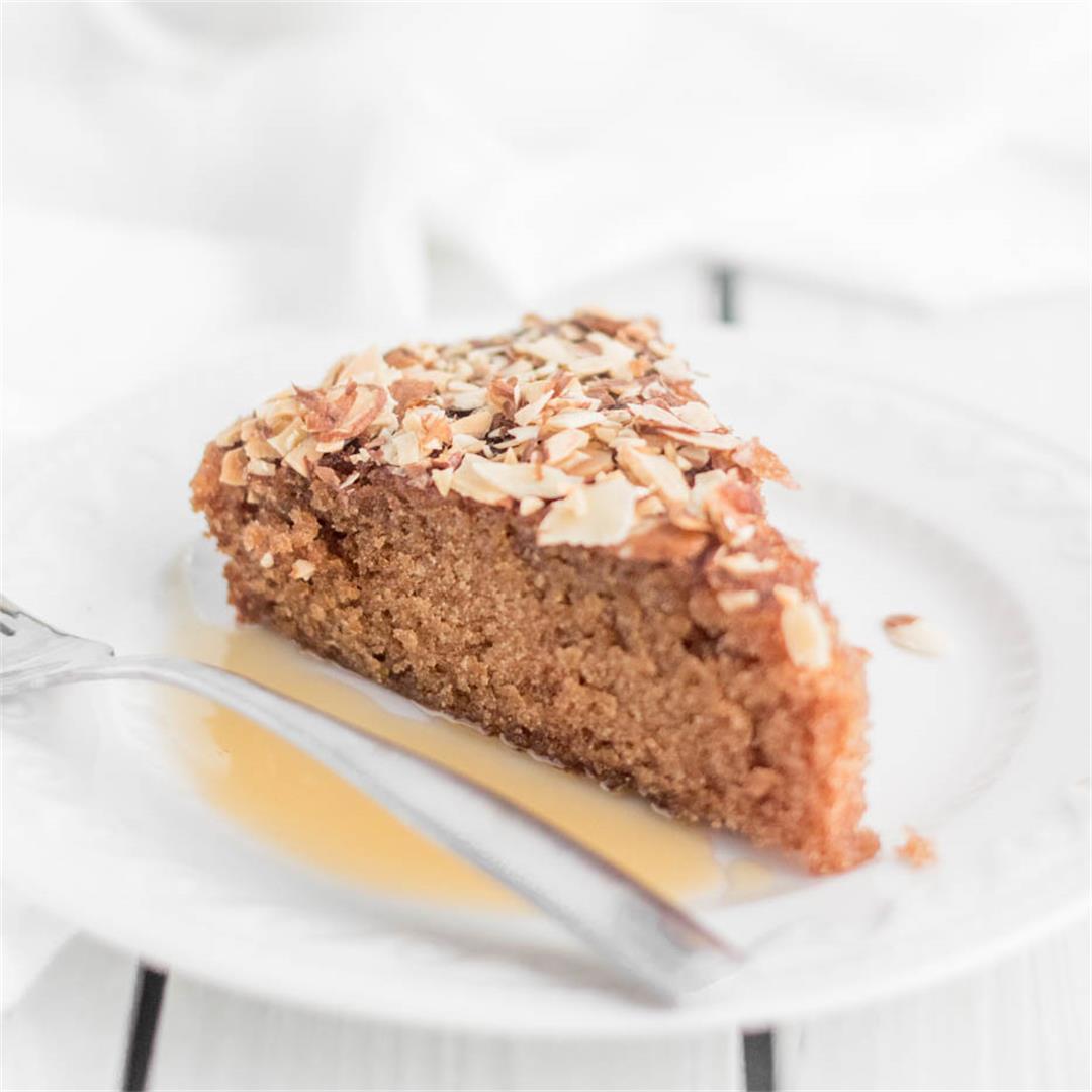 fancy-traditional-honey-cake