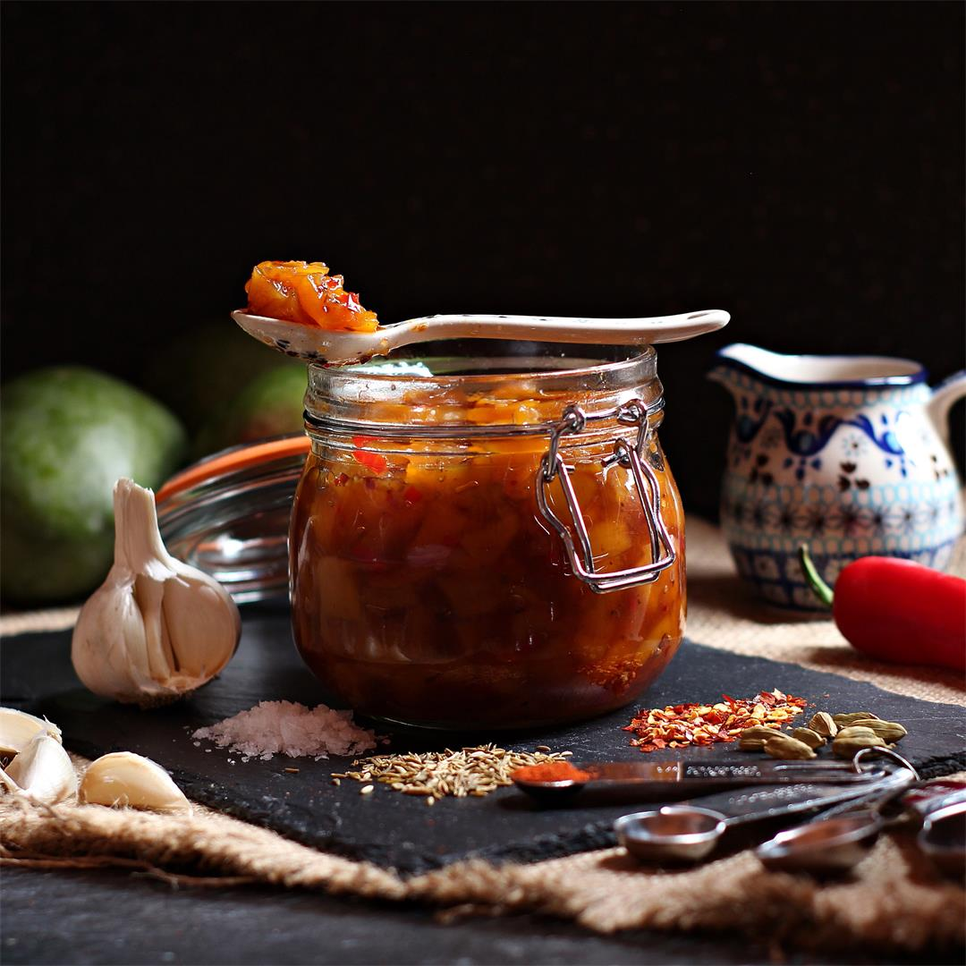 Easy Spicy Mango Chutney